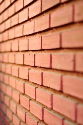ściana z cegieł