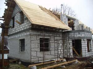 Korek można wykrzystać na wielu etapach budowy
