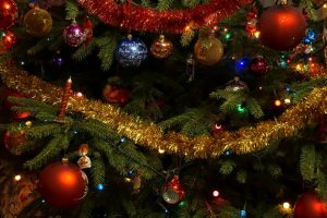 night-xmas-decorations-lights-77118-1