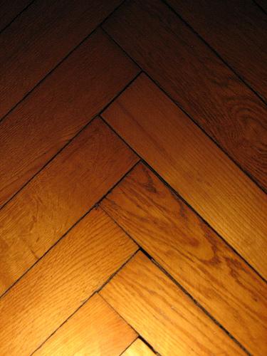 Co powinieneś wiedzieć o podłogach z drewna
